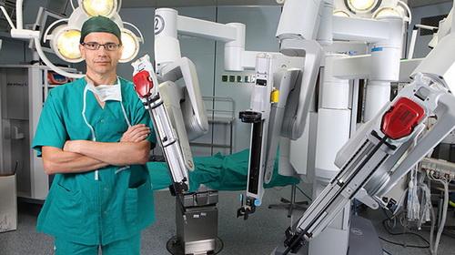 """""""Robot bác sĩ"""" cứu người"""