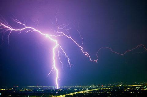 10 cảnh tượng ngoạn mục trong bão