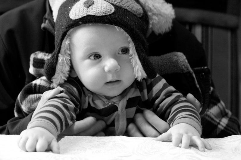 Trẻ 6 tháng tuổi có thể hiểu những gì bạn nói