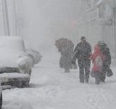 Video: Tuyết rơi dày đặc ở Moscow