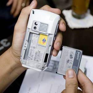 Điện thoại sạc pin một lần dùng cả tháng