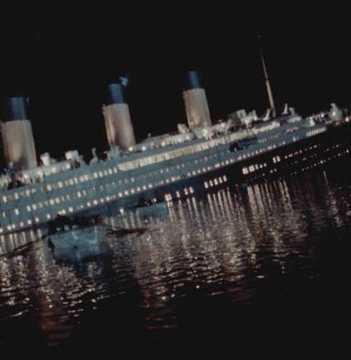 """Tàu Titanic gặp nạn """"do siêu trăng"""""""