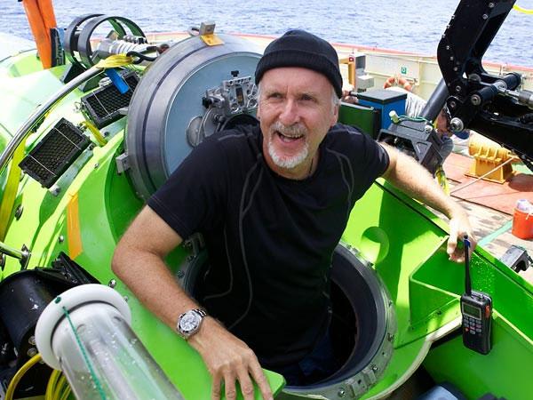 Bên trong tàu thám hiểm nơi sâu nhất Trái Đất