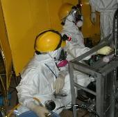 Nhiễm xạ tích lũy của công nhân Fukushima vẫn cao
