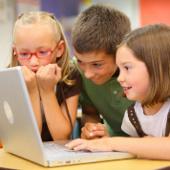 Trẻ học kém là lỗi của bố mẹ hay thầy cô?