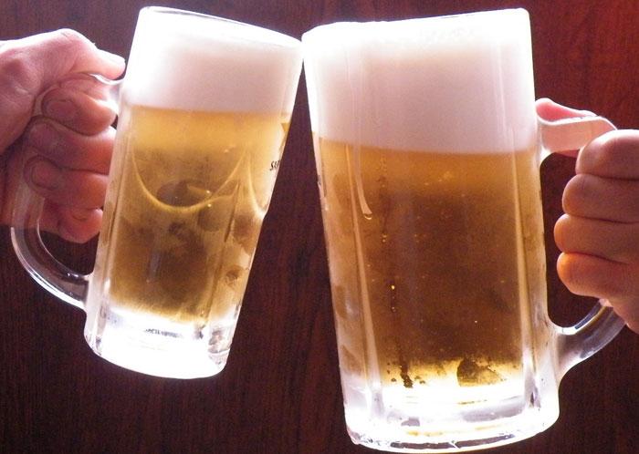 Uống bia điều độ có thể kiểm soát bệnh tiểu đường