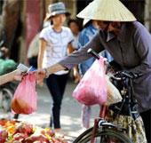 Việt Nam cấm sản xuất túi ni lông khó phân hủy