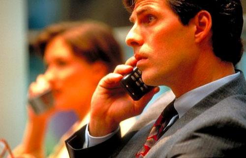 Sóng điện thoại di động: Vô hại hay nguy cơ với sức khỏe?