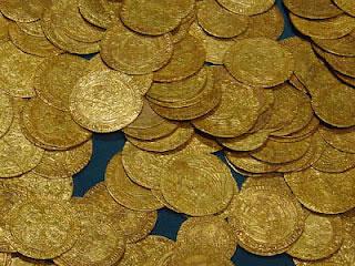 Phát hiện kho tiền vàng 700 năm tuổi