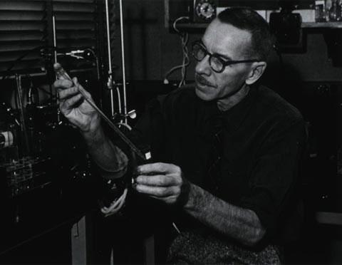 Những thí nghiệm khoa học thay đổi thế giới (I)