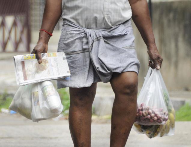 Ấn Độ cấm bán túi nhựa dẻo vì môi trường