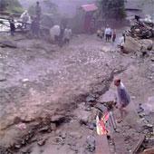 Cảnh lũ quét hoang tàn 12 người chết ở Sapa