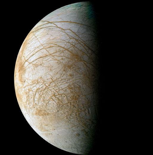 Đại dương nước nằm rất sâu trên vệ tinh của sao Mộc