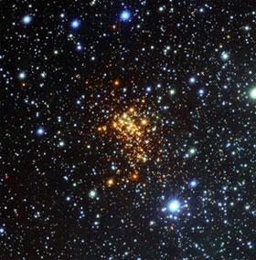 """Cơn """"hấp hối"""" của ngôi sao lớn nhất vũ trụ"""