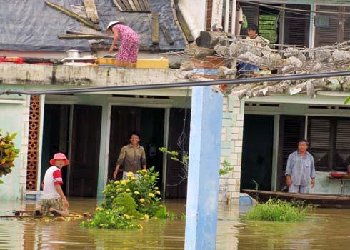 27 người chết vì mưa lũ miền Trung
