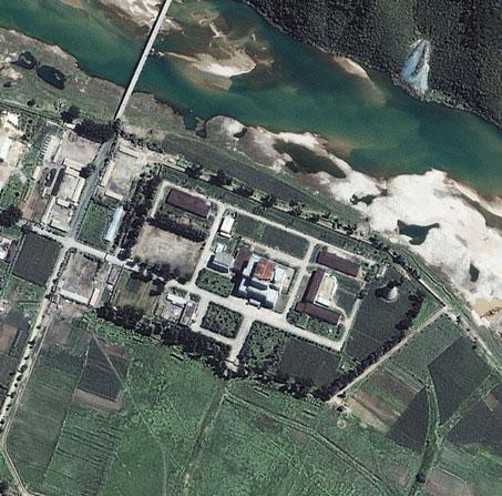 """Triều Tiên """"sắp vận hành lò hạt nhân mới"""""""