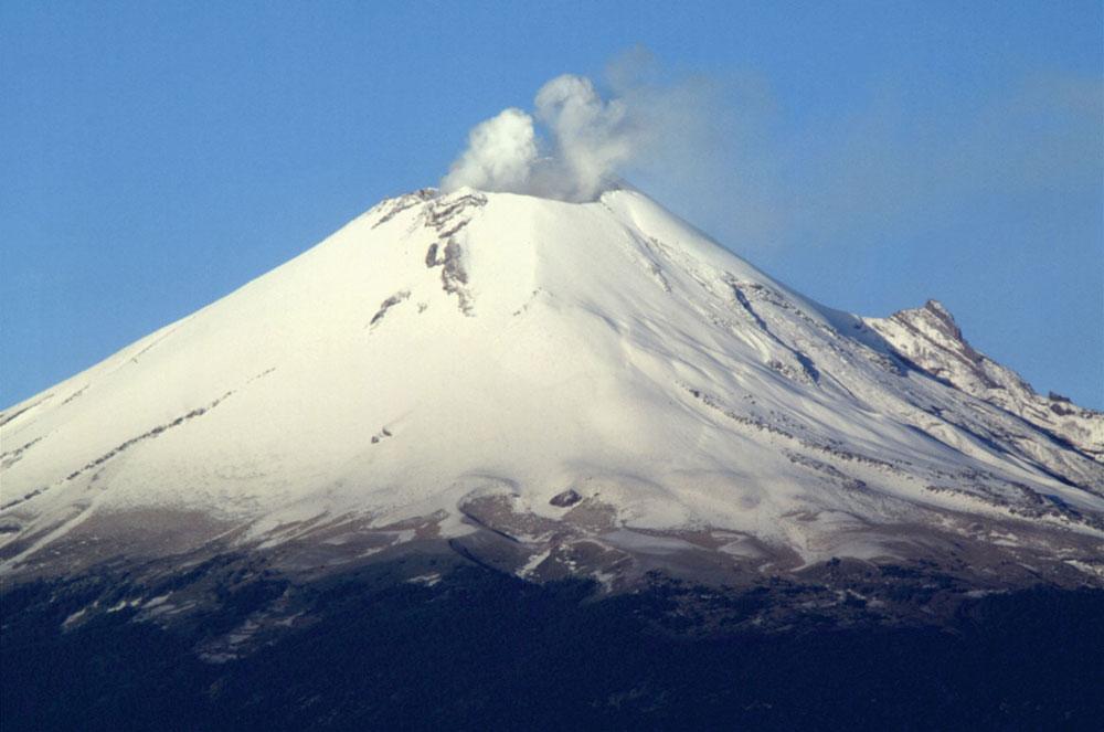 Núi lửa mạnh nhất Mexico nổ rầm rầm