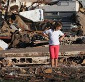 Lốc xoáy làm hàng chục người thương vong tại Mỹ
