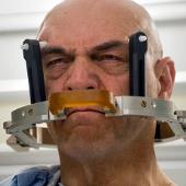 Video: Điều trị run tay bằng sóng siêu âm
