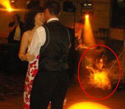 Bóng ma xuất hiện trong bức ảnh cưới?