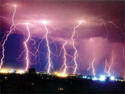 Quan sát chớp để dự báo lũ và mưa lớn