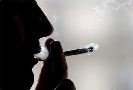 Cấm hút thuốc lá giúp giảm 41% số ca nhồi máu cơ tim