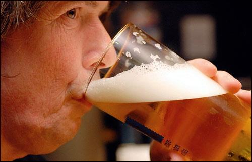Bí mật người uống nhiều rượu bia không say