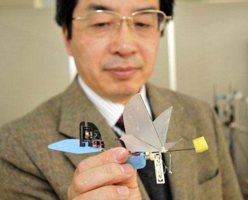 Nhật Bản giới thiệu 'robot chim ruồi'