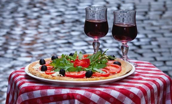 Uống rượu trong bữa ăn làm giảm khả năng tiêu hóa