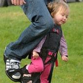 Phát minh giúp trẻ khuyết tật đi lại bình thường