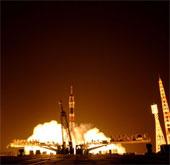 Tàu vũ trụ Soyuz đưa 3 phi hành gia lên ISS