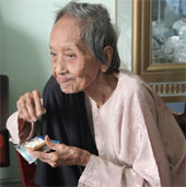 Cụ bà 121 tuổi lập kỷ lục người cao tuổi nhất Việt Nam