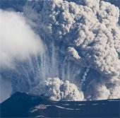 Điều gì xảy ra khi núi lửa phun trào dưới một dòng sông băng?