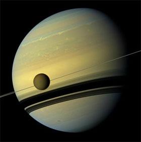 Mùa đông xuất hiện trên mặt trăng Titan của sao Thổ