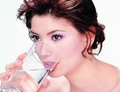 Tác dụng ngăn ngừa 9 loại bệnh bất ngờ của nước lọc