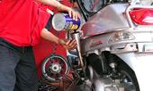 Xe máy ở Việt Nam đi bao lâu cần thay dầu?