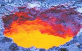 Hố tử thần phun lửa ở Tân Cương Trung Quốc