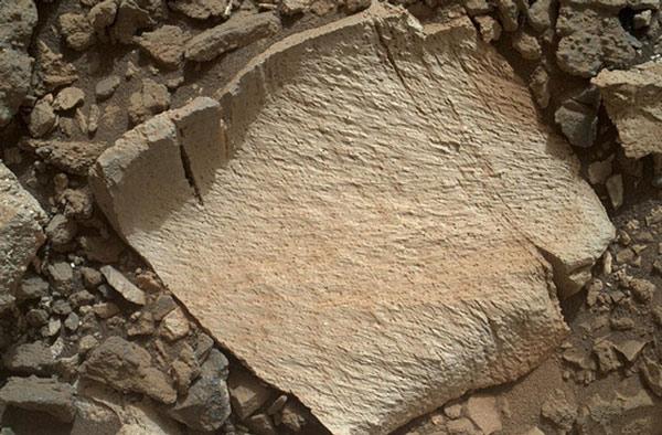 NASA tìm thấy phiến đá có khả năng từng chứa sự sống trên Sao Hỏa