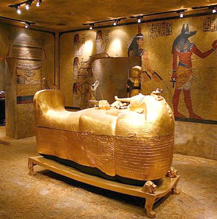 """Những cái chết bí ẩn khi """"đụng"""" vào lăng mộ các Pharaong"""