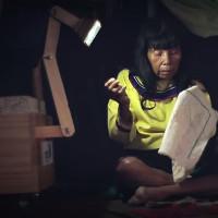 Đèn lấy điện từ cây thắp sáng làng quê hẻo lánh ở Peru