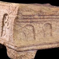 Khối đá lưu giữ hình ảnh ba chiều của Đền Thánh