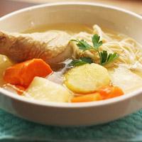 Vì sao khi ốm lại nên ăn súp gà?