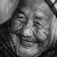 """Nụ cười tuổi xế già: """"Không răng"""" vẫn đẹp"""