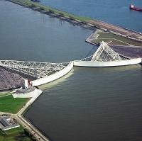 Với phần lớn diện tích đất nước thấp hơn mực nước biển, người Hà Lan đã tạo ra hệ thống đê biển vĩ đại nhất hành tinh