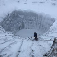 Phát hiện hố khổng lồ tại Siberia: Quả bom hẹn giờ cho Trái Đất chúng ta đã bắt đầu chạy