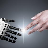 Chạm vào phần nhạy cảm của robot có thể kích thích con người