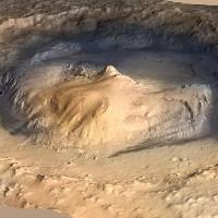 Hồ nước miệng núi lửa trên sao Hỏa biến đổi gây sốc