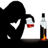 Giải mã chứng nôn sau khi uống rượu bia