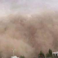 """Video: Bão cát khổng lồ """"nuốt chửng"""" cả một thành phố ở Trung Quốc"""