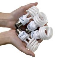 Những mối nguy hiểm tiềm ẩn bên trong bóng đèn huỳnh quang compact tiết kiệm điện